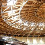 Ilgiausios vientisosios medienos stogo santvaros