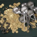 Didžiausias auksinių monetų ir brangiųjų metalų dirbinių lobis