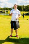 Daugiausia kartų iš 2 m atstumo pataikė į golfo duobutę (neprofesionalus žaidėjas)